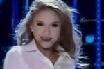 Hoài Linh bực bội màn hóa thân Britney Spears của Khởi My