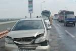 Tai nạn ôtô liên hoàn khiến cầu Thăng Long ùn tắc cục bộ nhiều giờ