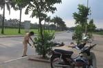 Lao vào cột đèn ven đường với tốc độ cao, một người đàn ông tử vong