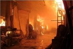 Cháy chợ ở TP Quảng Ninh, 150 ki ốt bị thiêu rụi thành tro