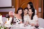 Dàn hoa hậu, á hậu đến mừng đám cưới Hoa hậu biển Vân Anh