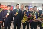 """Chào đón những """"chiến binh anh dũng"""" của đoàn Olympic Toán học Việt Nam"""