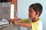 Thực hư về cậu bé 4 tuổi đọc được 3 thứ tiếng