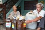 Yêu cầu xử lý nghiêm vụ trộn săm xe vào dầu ăn ở Quảng Nam