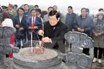 Chủ tịch nước dâng hương tưởng nhớ các bậc lãnh đạo tiền bối