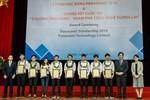 8 sinh viên nghèo được nhận học bổng toàn phần
