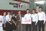 Hai khách hàng may mắn trúng thưởng 350 triệu đồng tại Maritime Bank