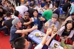 """Lễ hội bia Hà Nội """"nóng bừng"""" giữa tiết trời đầu đông"""