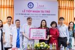 """""""Quỹ vì tầm vóc Việt"""" tặng 300 triệu giúp các sản phụ vượt qua bệnh tật"""