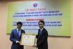"""Bộ Y tế trao Kỷ niệm chương """" Vì sức khỏe nhân dân"""" cho ông Masaya Kato"""