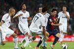 Real mở chiến dịch 'bôi bẩn' Messi?