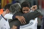 Real bắn hạ Barca: Varane xuất sắc hơn cả Ronaldo