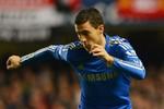 Hazard ghi siêu phẩm, rút ngắn cách biệt cho Chelsea
