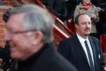 Sir Alex không thèm bắt tay, Benitez nổi cáu