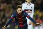 Vượt qua Van Nistelrooy, Messi gia cố thêm kỷ lục