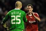 Liverpool đón 'song hỷ' từ Carragher và Reina