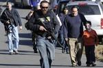 Cập nhật ảnh hiện trường vụ xả súng trường học kinh hoàng tại Mỹ