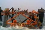 Video: Dàn khoan 1.300 tấn của Iran chìm xuống biển trong 30 giây