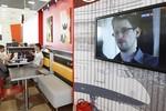 Snowden rút đơn xin tị nạn ở Nga sau khi Putin yêu cầu ngừng chống Mỹ