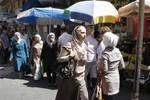Dân Syria ráo riết tích trữ lương thực, tìm nơi trú ẩn