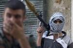 """Chiến binh """"thánh chiến"""" ở Syria cũng di tản vì lo sợ bị Mỹ tấn công"""