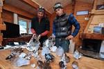 Nhà leo núi Pháp tìm thấy kho báu Ấn Độ trên sông băng