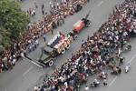 Báo chí quốc tế: Hàng vạn người dân xếp hàng dài 40 km tiễn Đại tướng