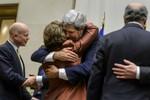 Iran đồng ý đóng băng chương trình hạt nhân, tiêu hủy uranium giàu 20%