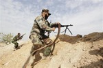 Phe Assad siết vòng vây gần Damascus, 160 chiến binh 2 bên thiệt mạng