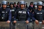 Hàng ngàn cảnh sát Thái Lan chiếm lại văn phòng cho Thủ tướng
