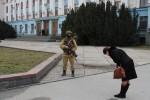 Crimea thu được 40 xe tăng, lập lực lượng quân sự riêng
