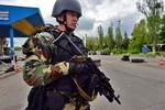 """Kiev tiếp tục """"chống khủng bố"""" bất chấp Donetsk sẽ trưng cầu dân ý"""