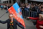 Donetsk và Luhansk tuyên bố độc lập, đề nghị gia nhập Nga
