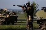 Đông Ukraine: Quân đội Kiev nã đạn vu vơ suốt nửa giờ bắn phá
