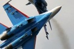 """Video: Su-27 Nga """"cắt mũi"""" RC-135U Mỹ chỉ cách 30 mét"""