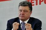 2 vạn dân bỏ chạy sang Nga, Poroshenko kêu gọi phe ly khai hạ vũ khí