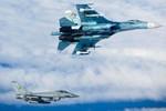 Anh điều chiến đấu cơ chặn các máy bay quân sự của Nga