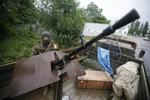 Ukraine đe dọa tấn công, lực lượng ly khai tích cực tuyển tân binh