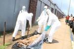 Bệnh nhân Ebola tỉnh dậy trong túi xác