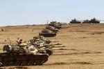 Ảnh: Xe tăng Thổ Nhĩ Kỳ dàn trận đón lõng IS ở biên giới