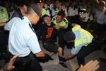 Cảnh sát Hồng Kông đụng độ người biểu tình, 45 người bị bắt giữ