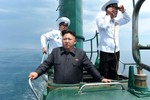 Triều Tiên ra mắt tàu ngầm mới có khả năng phóng tên lửa đạn đạo