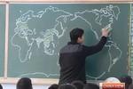 Video: Giáo viên vẽ bản đồ thế giới theo trí nhớ trong 4 phút