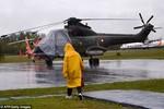 Indonesia tạm dừng cứu hộ vì thời tiết, máy bay AirAsia vỡ khi chạm nước