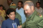 Fidel Castro gửi thư cho Maradona