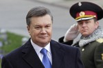 Bị Interpol truy nã, ông Yanukovych đang ở đâu?