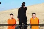 Tình bạn tuyệt vời của hai con tin người Nhật bị khủng bố IS bắt giữ