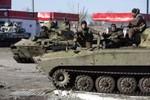 Ukraine cáo buộc Nga điều 60 xe tăng, xe bọc thép tới Mariupol