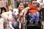Chó bị ngược đãi tàn nhẫn được giải thưởng vì cứu người