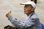 Cụ ông 86 tuổi đi thi đại học lần thứ 15